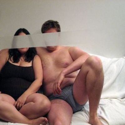 Wij zoeken voor een keertje een man voor bij ons in bed.